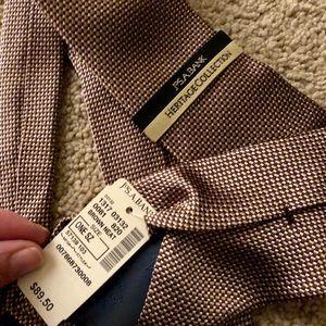 NEW Joseph A Bank Tie